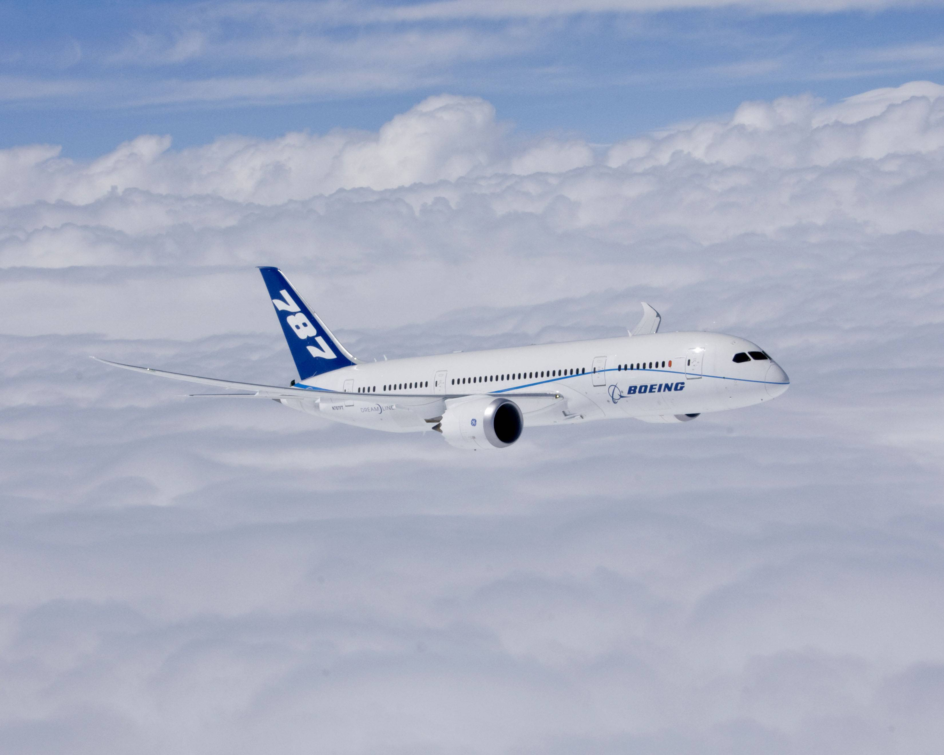 Powered by ge engines, Boeing 787-8, boeing completes first flight of first 787 dreamliner обои, картинки, фото
